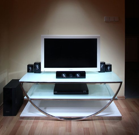 TV-with-home-cinema-and-DVD-player.jpg